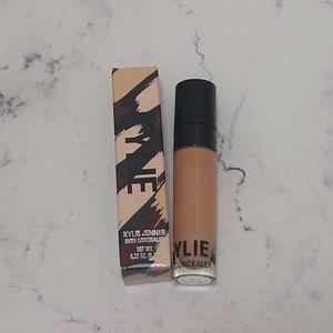Kylie Cosmetics Skin Concealer in Oak